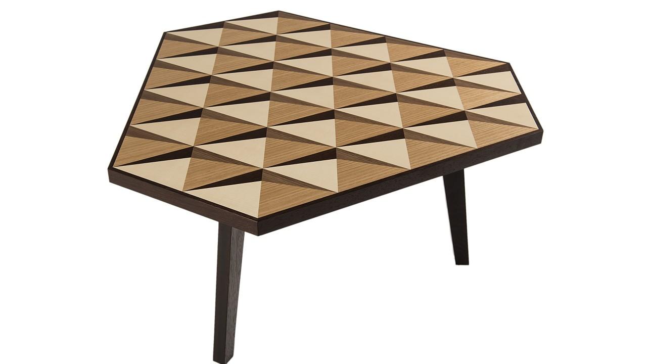 table carat 16 12 design curiosit s. Black Bedroom Furniture Sets. Home Design Ideas
